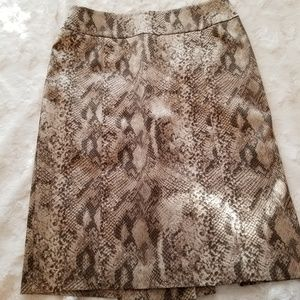 SNAKE-PRINT PENCIL SKIRT (Luxe brown)